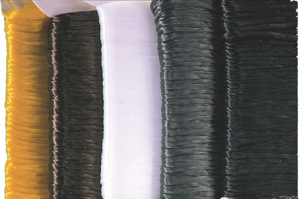 Polypropylene floating yarn per card